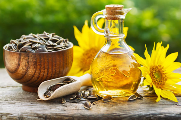 Deodorizing of Edible Fats and Oils